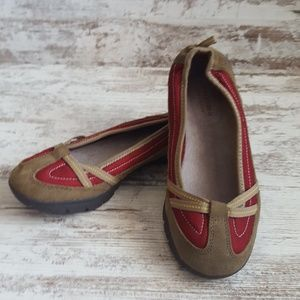 ❤NWOT Brown Suede & Red Textile Sporty Loafer